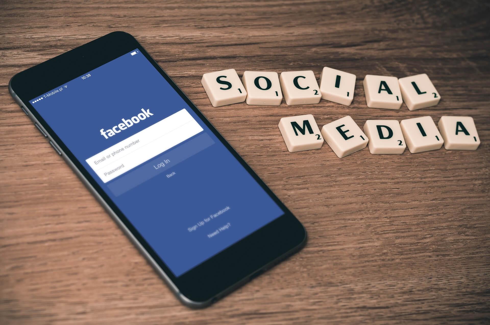 facebook mobile Blagovne Znamke Za Socialne Medije