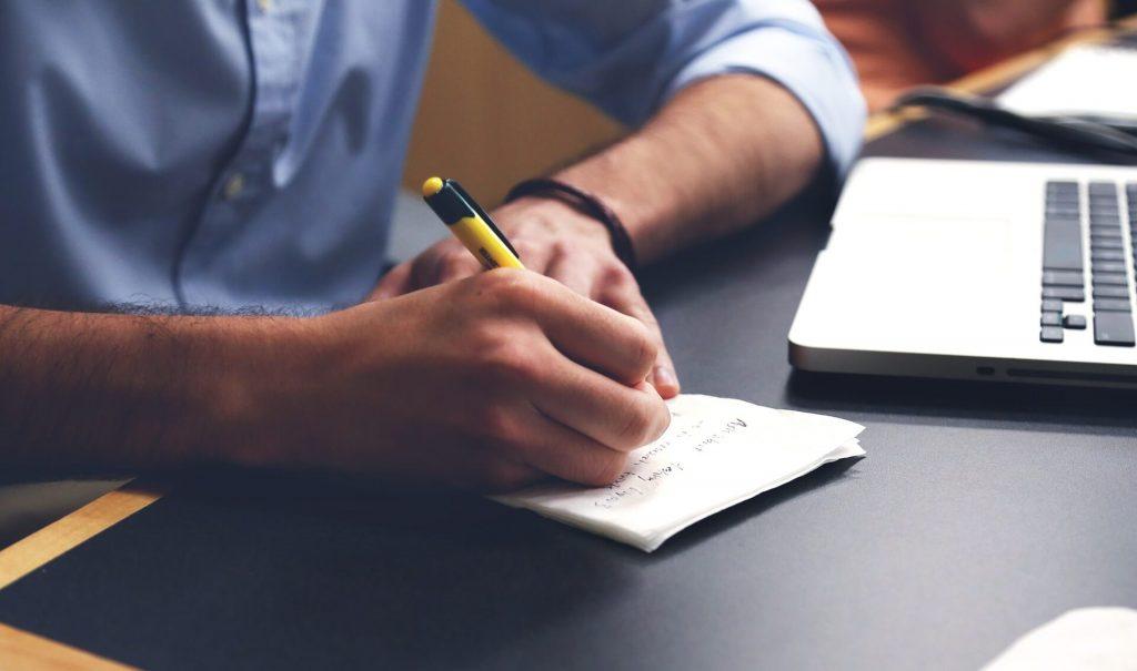 tabela človek Pisanje Vsebine
